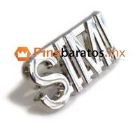 Pins de metal con frases